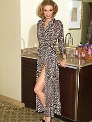 Hope Posing in Leopard Robe - 10/31/2006